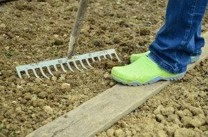 Kertészkedés, munkára fel.