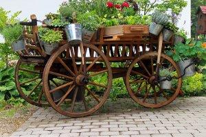 kerti díszek-lovaskocsi
