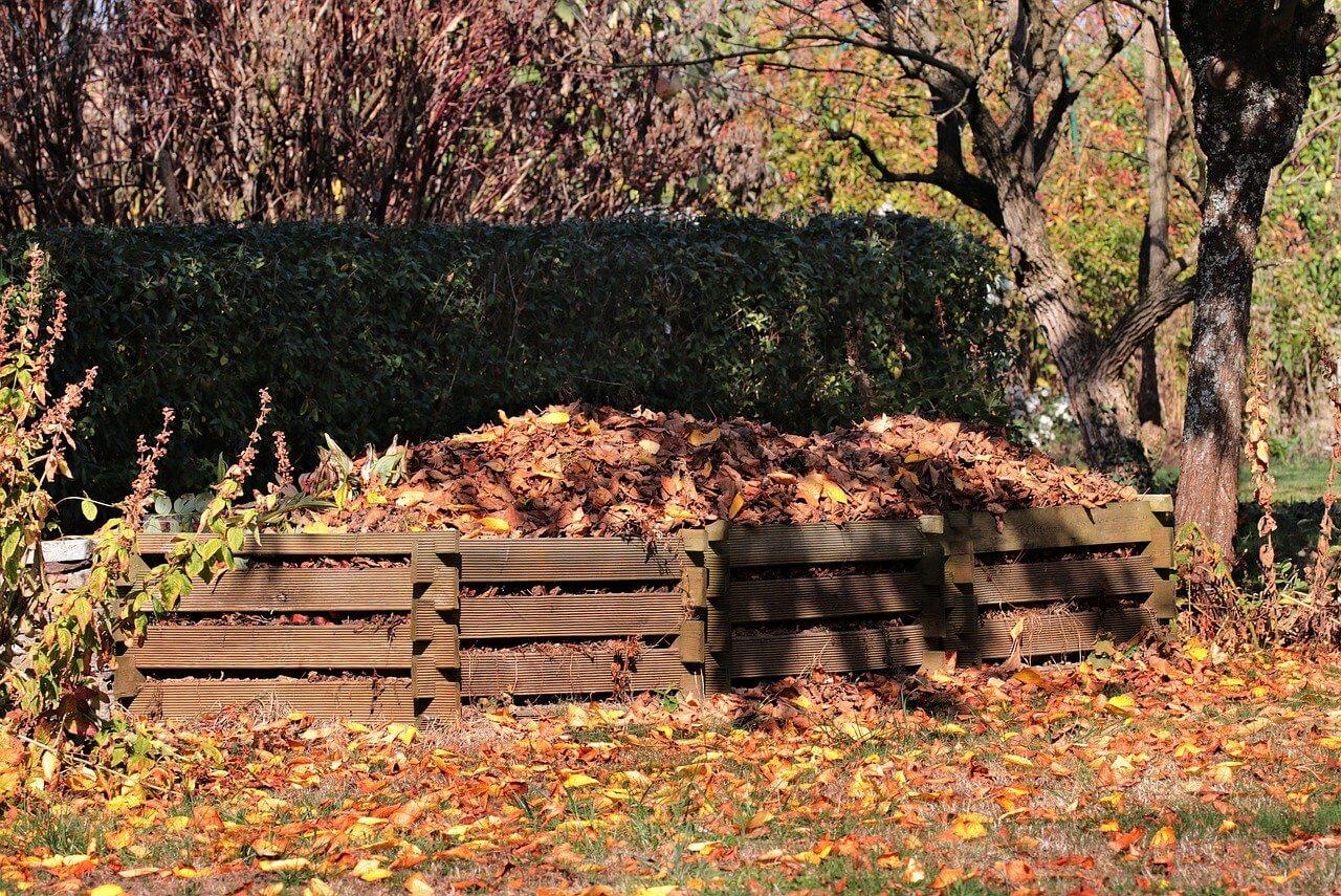 A környezetbarát talajfrissítés – komposztáljunk kertünkben!