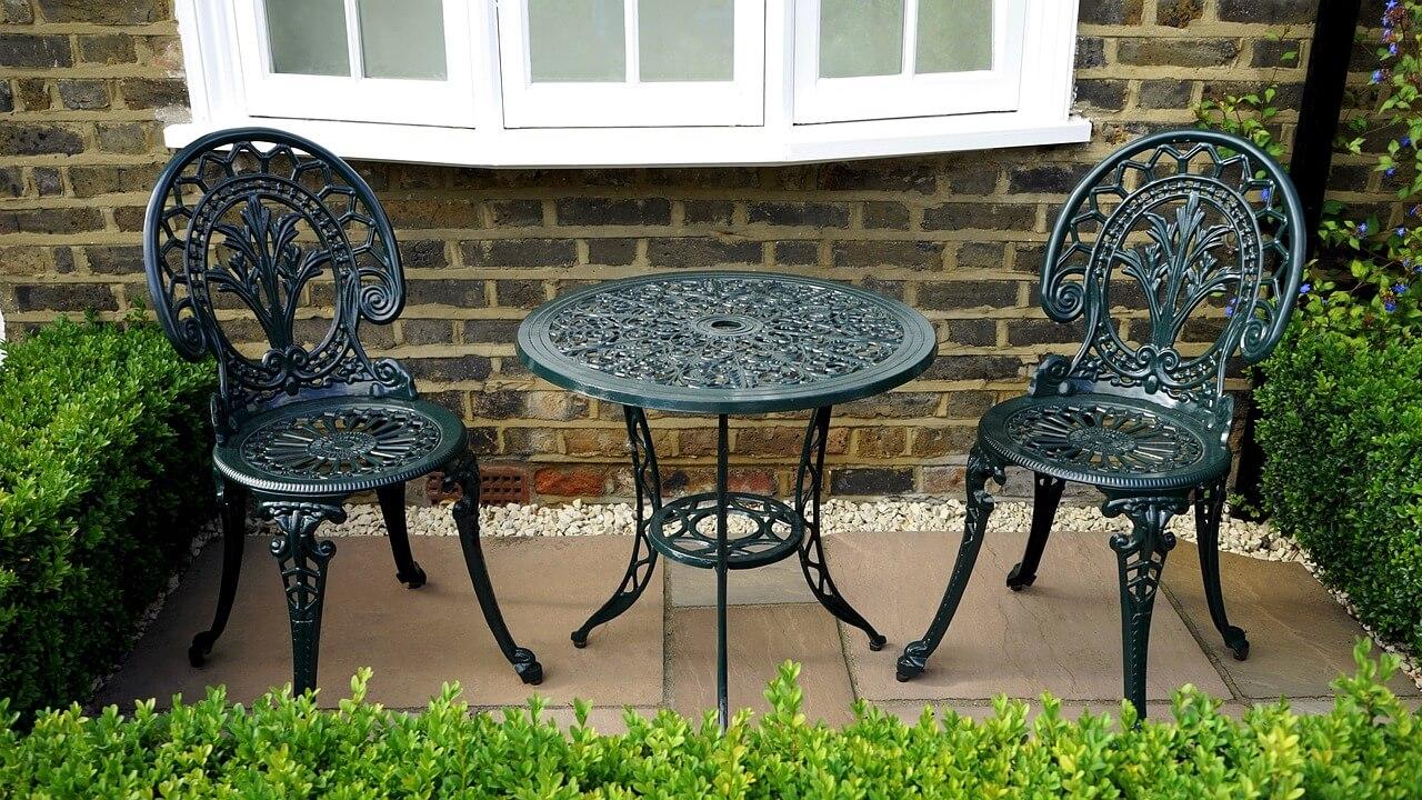 asztal és székek